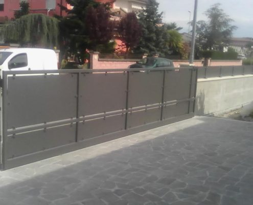 Cancello scorrevole cieco Ferrara